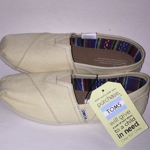 Toms classic Light Beige slip on shoes NEW